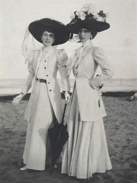 Fashionable ladies' hats with hat pins.