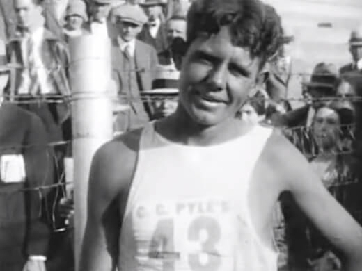 Runner Andy Payne, winner of the Trans-Continental Footrace in 1928